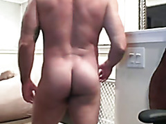 WebCam - Haired Muscly Italian Papa Wanking Off