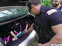 Cop get a surprise when he asked him to pull over