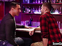 Stepdad recognises his stepson at gay bar
