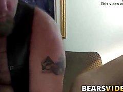 Haired lad steve sommers fucks bears in 3some